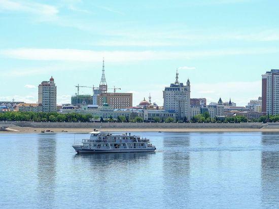 Житель КНР выпрыгнул за борт теплохода и поплыл в Благовещенск