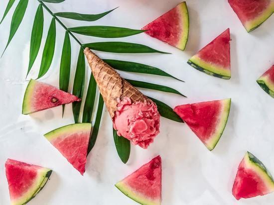 Как приготовить мороженое дома: ТОП-7 рецептов из ТикТока
