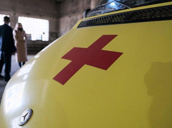 Под Волгоградом в ДТП с КамАЗом пострадали два человека