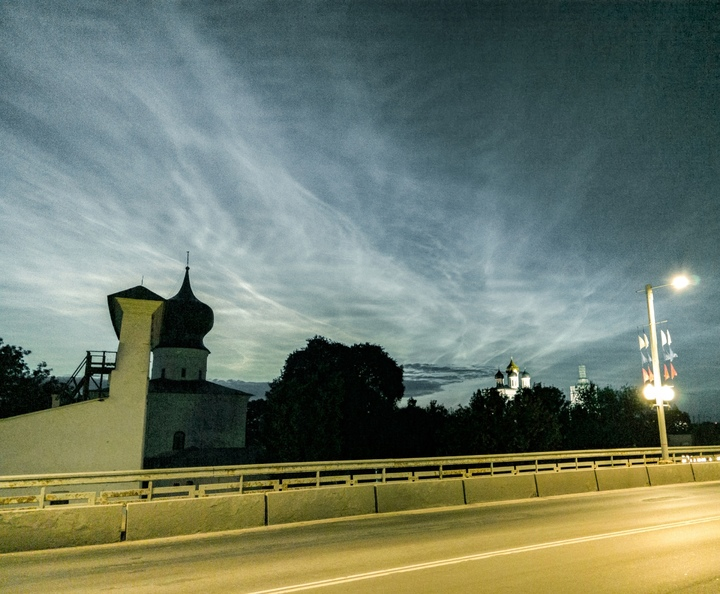 Астроном-любитель снял серебристые облака над Псковом, фото-3