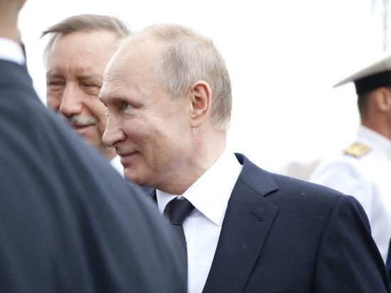 Путин примет участие в параде ко Дню ВМФ в Петербурге