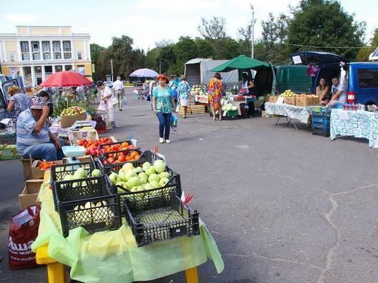 В Брянске сезонные овощные базары проработают до середины ноября