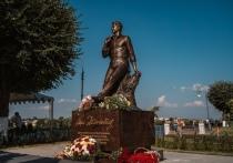 На минувшей неделе Тверская область отметила под палящим солнцем день рождения своей древней столицы, открыла новые памятники и встретила премьер-министра