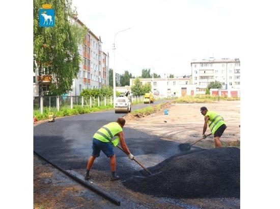 В Йошкар-Оле ремонтируют стадион около десятой школы