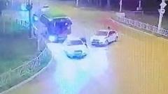 Водитель Ауди протащил сотрудника ГИБДД несколько метров в Екатеринбурге