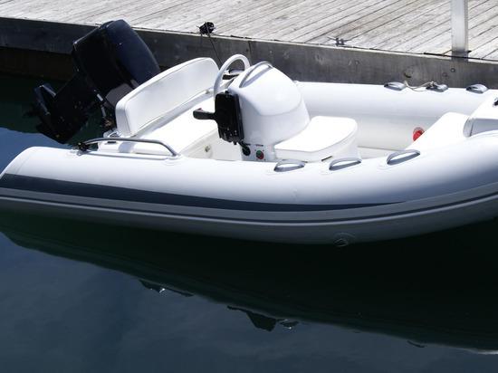 Новгородская полиция: За лето у жителей украли лодку и три дорогих мотора