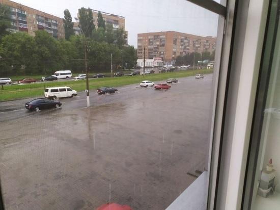 В Курске 21 июля вновь затопило дороги из-за ливня