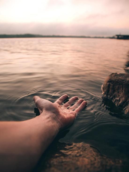 Роспотребнадзор Карелии забраковал воду из озера Лососинное