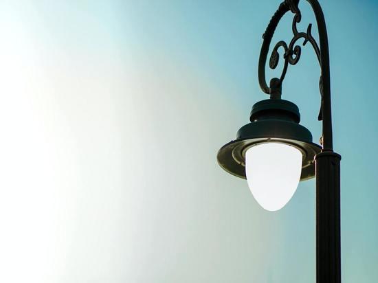 В Курске восстанавливают освещение на улицах Береговая и Почтовая