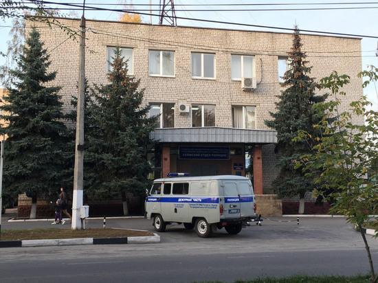 Сотрудник компании в Курске за несколько дней через крышу вынес имущества на 330 тысяч рублей