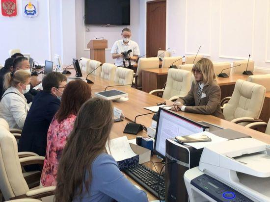 Сергей Зверев подал документы в Избирком Бурятии