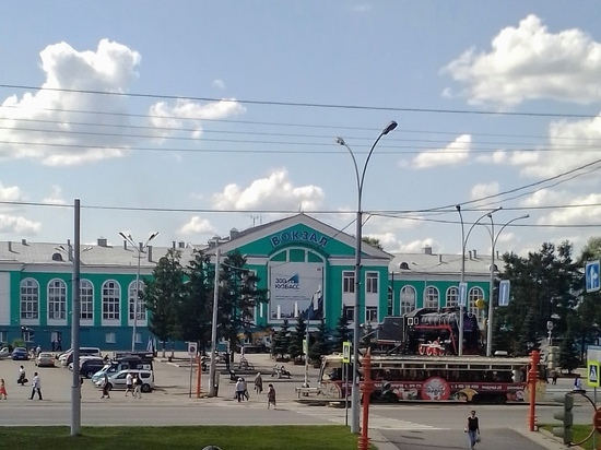 В Кемерове со здания вокзала исчезли часы