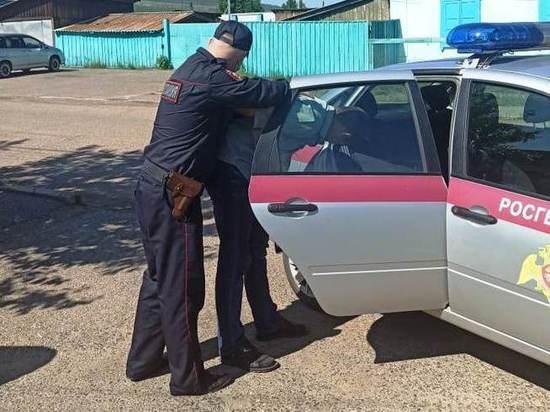В Бурятии задержали пьяного водителя, стукнувшего фуру и скрывшегося с места