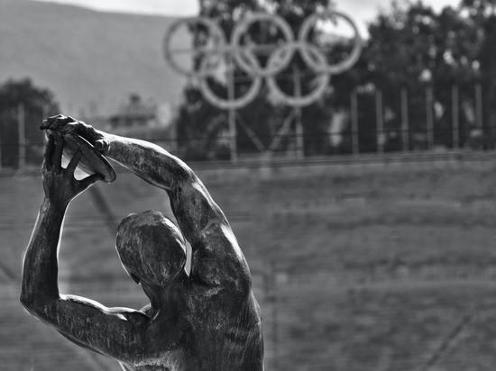 Режиссёра открытия Олимпиады уволили из-за насмехательства над Холокостом