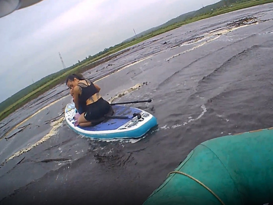 Амурские спасатели помогли женщине с ребенком на Чигиринском водохранилище