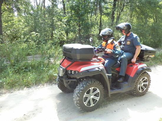 В Курске спасатели на мотоциклах и квадроциклах патрулируют регион