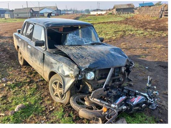 В Якутии нетрезвый водитель сбил девушек