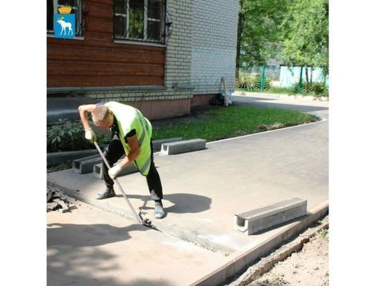 На Пролетарской улице Йошкар-Олы заканчивается ремонт тротуаров