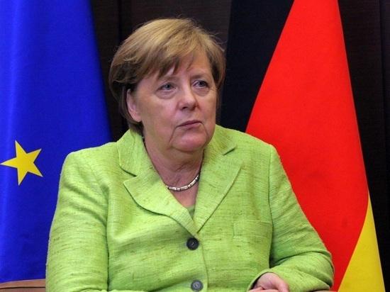 """Меркель заявила о риске ввода Германией санкций по """"Северному потоку-2"""""""