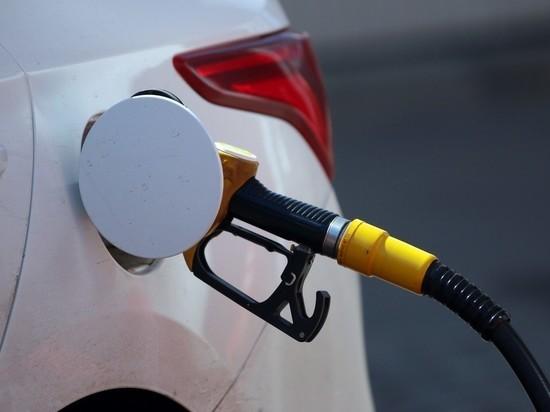 Цена бензина Аи-95 достигла 60 тысяч рублей за тонну