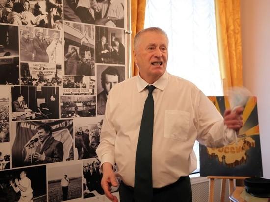 Жириновский предложил позвать в Россию русских из других стран