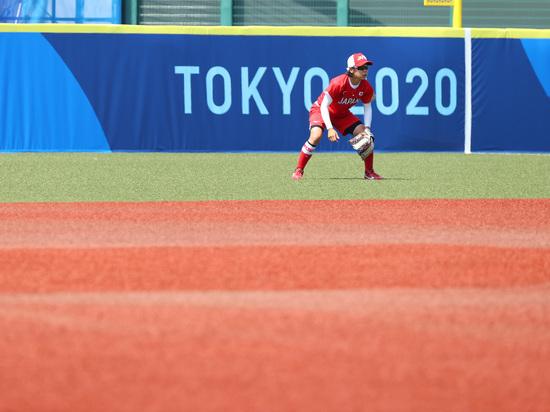 Япония вышла в лидеры олимпийского турнира по софтболу