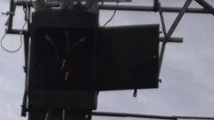 Опору ЛЭП замкнуло на перекрестке в Ноябрьске