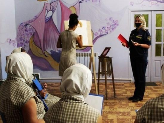 Заключенные одной из ивановских колоний учились рисовать углем