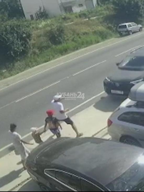 Днём 22 июля в посёлке Сукко под Анапой произошло ДТП, в результате которого пострадали шестеро пешеходов