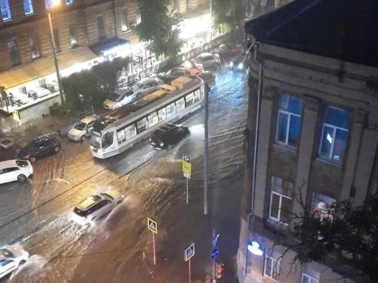 Ростов уходит под воду из-за ливня