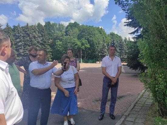Власти Курска намерены демонтировать гаражи у городского Мемориала павших