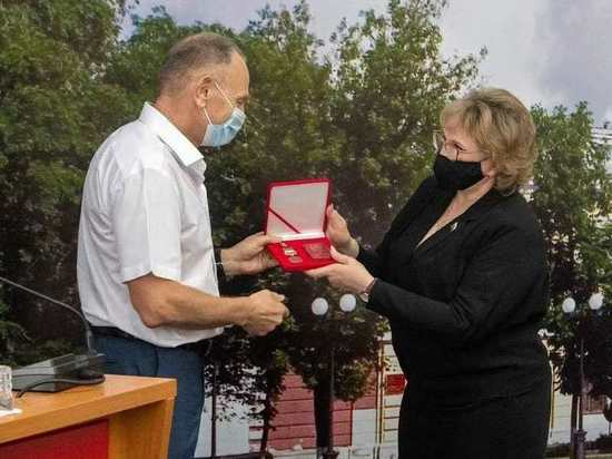 Трое горожан получили медали «За заслуги перед городом Благовещенском»