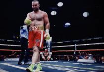 Бывший чемпион мира по версиям WBA и IBF Мурат Гассиев в Москве одержал победу в рейтинговом поединке над немцем Михаэлем Валлишем в поединке, который состоялся ночью с четверга на пятницу.