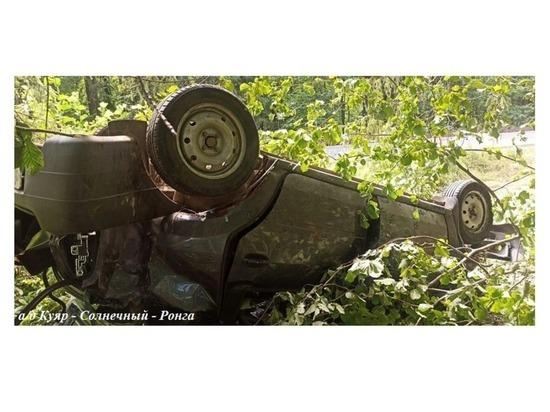 В Марий Эл на участке дорожных работ съехал в кювет автомобиль