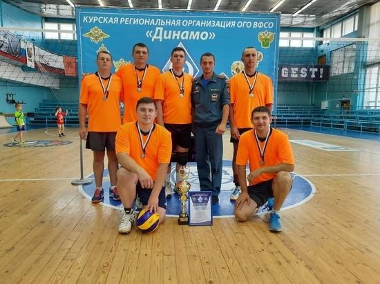 Курские спасатели завоевали серебро межведомственной спартакиады по волейболу