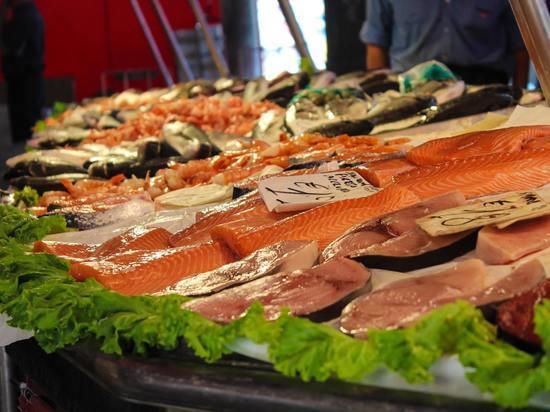Витамин B12, который жизненно необходим для многих процессов в организме, содержится преимущественно в мясе, рыбе и молоке