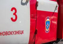 По данным ГУ МЧС по Кемеровской области, возгорание произошло в подсобном помещении магазина, посетители и сотрудники которого самостоятельно эвакуировались