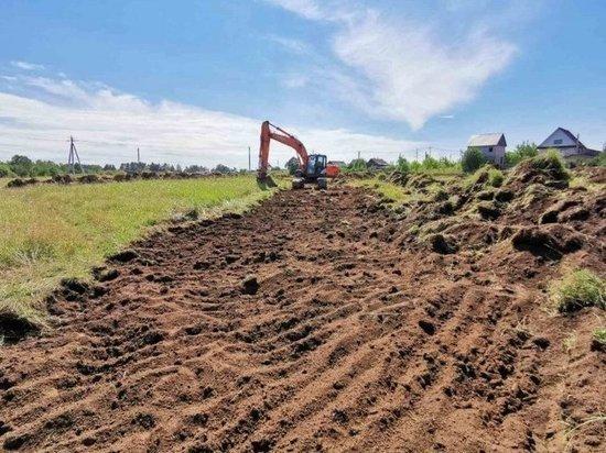 В Удмуртии начали расчистку притока реки Лып для защиты от подтопления
