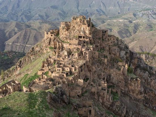 Выходцы заброшенного высоко в горах села Гамсутль изъявили желание возродить родной аул