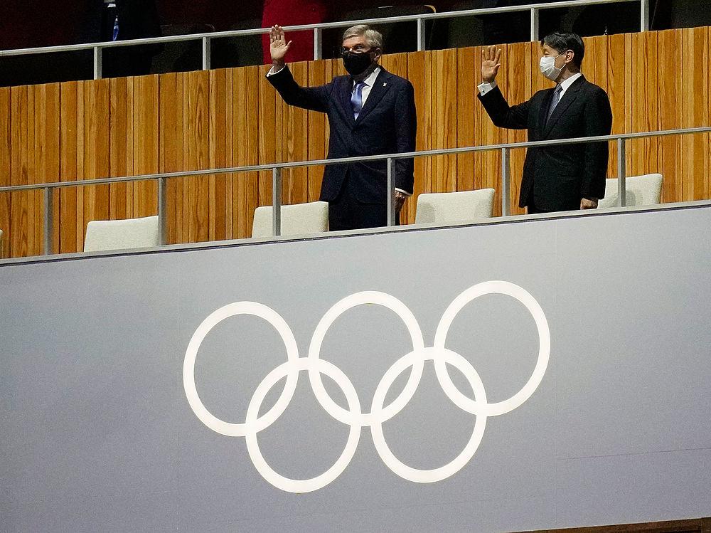 Лица российских спортсменов на Олимпиаде в Токио: кадры открытия