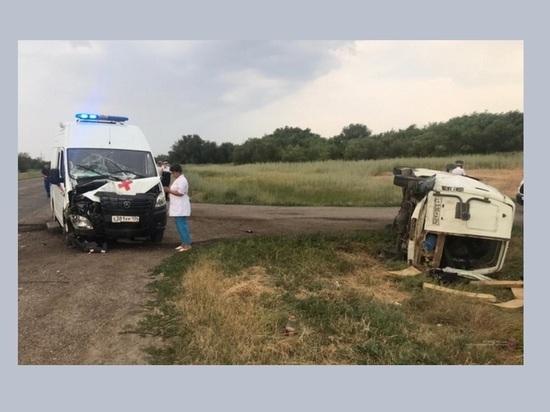 Под Волгоградом в ДТП со «скорой» пострадали три человека