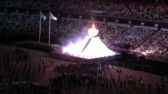 Появились кадры зажжения олимпийского огня в Токио: пагода стала чашей