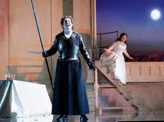 Опера Генделя «Ариодант», поставленная Дэвидом Олденом в Английской национальной опере почти 30 лет назад, обрела новую жизнь на Новой сцене Большого театра
