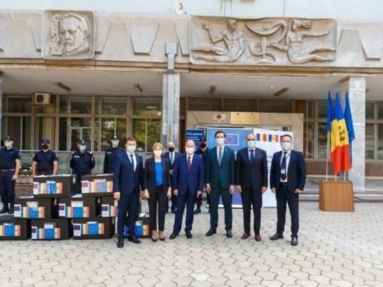 В Молдову доставлены 100 тыс доз вакцины Pfizer