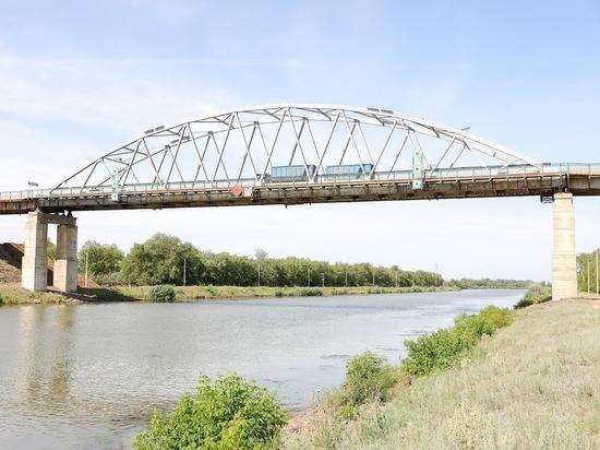 В Астрахани в ближайшие дни разведут Старый мост