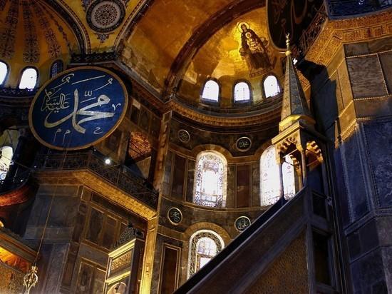 В ЮНЕСКО потребовали от Турции отчета по Айе-Софии