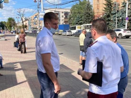 В центре Курска устроили облавы на нарушителей масочного режима в транспорте