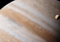 NASA доверило компании SpaceX доставку в 2024 году к орбите Европы, спутника Юпитера, зонда Europa Clipper, который будет изучать поверхность небесного тела с разных высот