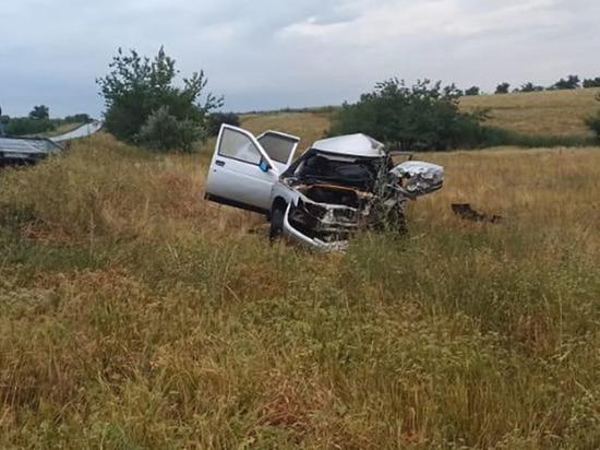 В ночном ДТП в Волгоградской области погибли 2 человека