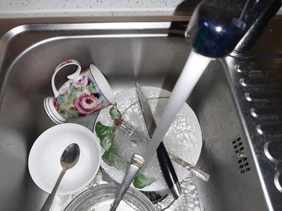 Саратовцы остались без воды в субботу: список адресов
